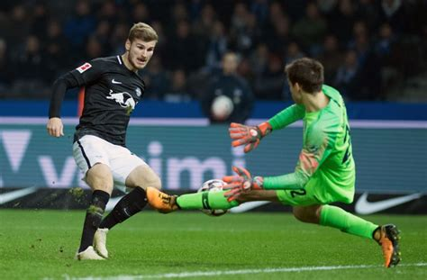 V., commonly known as rb leipzig or informally as red bull leipzig, is a german professional football club based in leipzig, saxony. Hertha BSC gegen RB Leipzig: Timo Werner schießt Leipzig ...