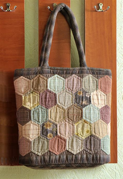 quilted tote bags hexagon quilt patchwork bag diy tutorial ideas