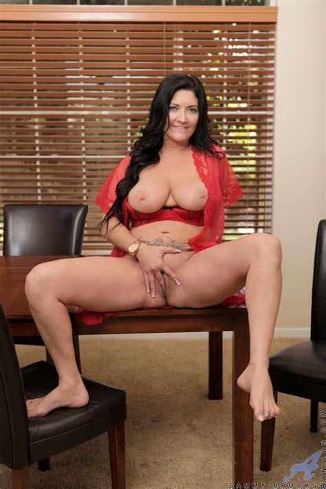 anilos sammy brooks big tittied mom strips off her lingerie to massage her swollen clit 23205