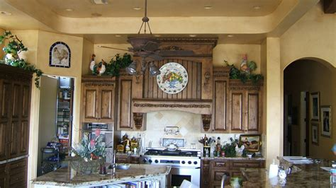 China Country Style Kitchen Cabinet (kc03)  China Solid