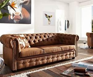 Wohnzimmer Sofa Günstig : die besten 25 zweisitzer sofa ideen auf pinterest gr ne kontakte schlafsofa leder und sofa ~ Markanthonyermac.com Haus und Dekorationen