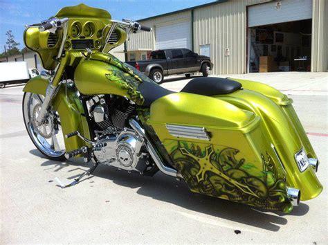 Custom Harley Davidson Baggers