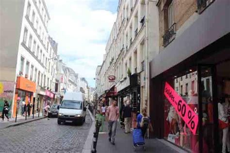 dress shops magasins de vetements ouverts le dimanche