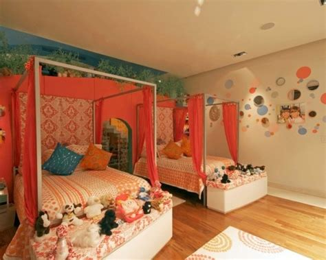 Charming Canopy Bed Ideas For A Kid's Room