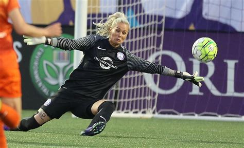 orlando pride goalkeeper ashlyn harris ambitions extend