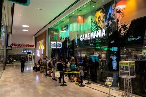 opening game mania concept store  utrecht groot succes