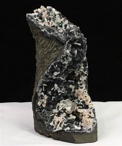Chalcedony, Stilbite & Green Apophyllite – Raj Minerals Inc