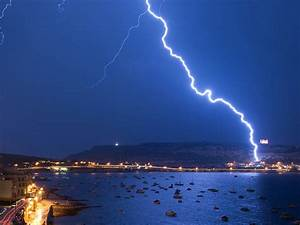 lightning strikes may leave traces like those of