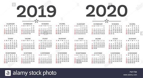 kalender isoliert auf weissem hintergrund woche beginnt ab