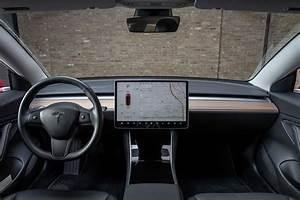 1 Screen to Rule Them All: Tesla Model 3 All-Purpose Touchscreen Tested | News | Cars.com