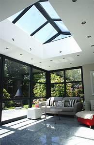 extension vitree et veranda avec bandeau aluminium With puit de lumiere maison 1 maison avec baies vitrees et puit de lumiare