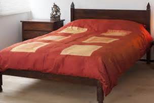 Pha Tung  Flame  Red Silk Duvet Cover  Natural Bed
