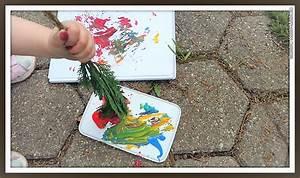 Basteln Mit ästen Und Zweigen : basteln mit kindern malen mit zweigen hand im gl ck mein do it yourself portal ~ Whattoseeinmadrid.com Haus und Dekorationen