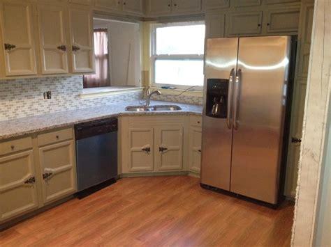 kitchen cabinet pic kitchen design taupe and white azul platino granite 2673