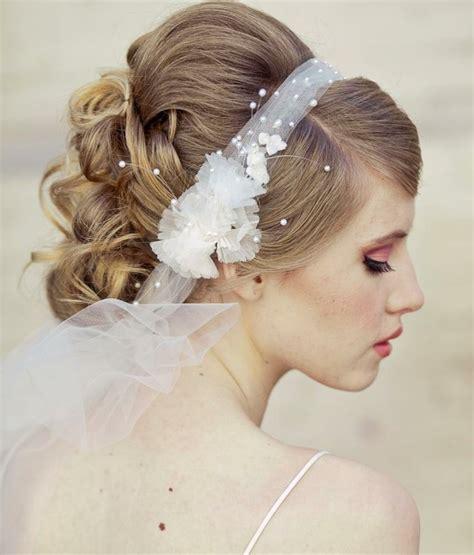 hochsteckfrisur mit haarband hochsteckfrisur mit haarband hochsteckfrisur mit haarkrankz bilder frisuren mit haarband