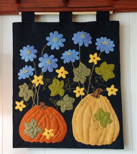 Felt Applique Patterns by Best 25 Applique Wall Hanging Ideas On Woolen