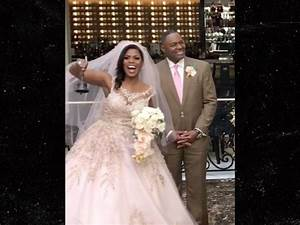 omarosa marries pastor john allen newman at trump hotel With omarosa wedding dress