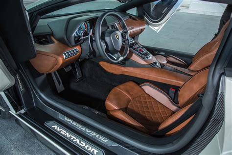 lamborghini jeep interior 2018 lamborghini aventador s interior 2 motor trend