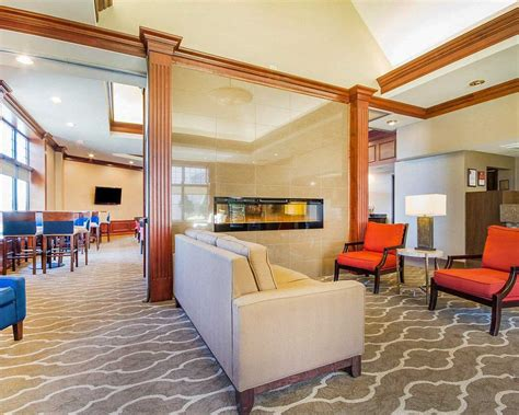 comfort suites green bay wi comfort suites in green bay wi 920 499 7