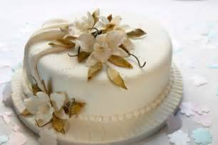 small wedding cakes small wedding cakes they 39 re so