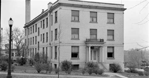 They combine their strong insurance background and product knowledge to assist both current and future clients in managing and planning for all types of risk. Fairmount Maternity Hospital   Old Kansas City Pictures ...