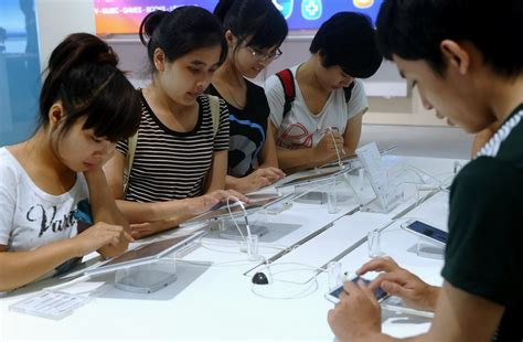Vietnam Teens Eager For Sex Ignorant About Ovaries