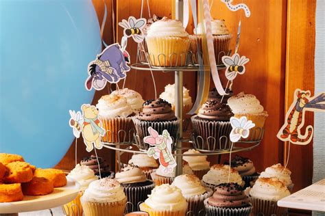 winnie  pooh cupcake toppers disney family