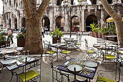 restaurant le bureau nimes les grands jeux romains aux arènes de nîmes caramaps