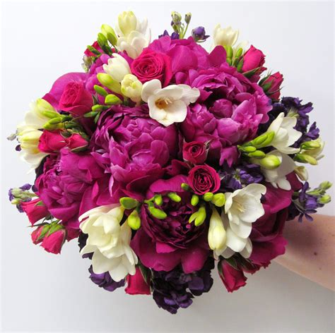 fuchsia wedding flowers buffalo wedding event flowers