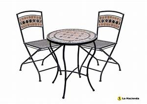 Bistro Tables and chairs for a lively environment