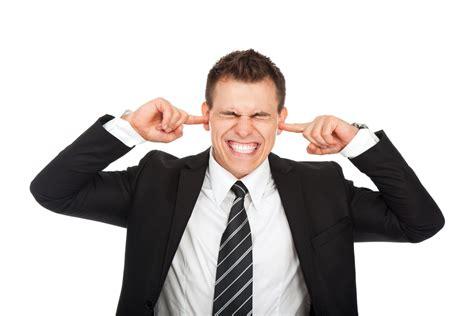 Pētījums: kaitinoši cilvēki bremzē jūsu smadzeņu darbību ...