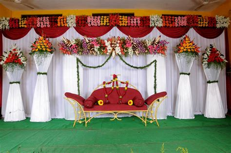balloon decoration wedding stage