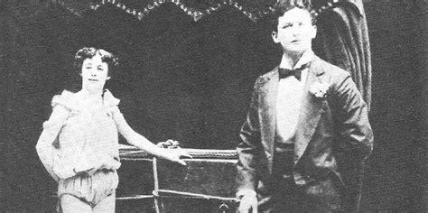 Closed Curtain by Harry Houdini Magic Metamorphosis