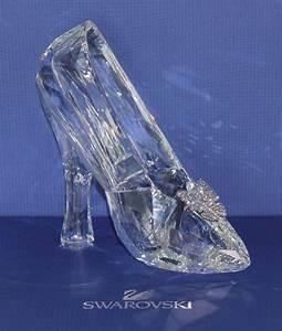 NEW Disney Cinderella Slipper Swarovski Crystal LE # 50