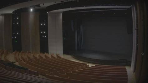 apple teases monday event with quot livestream quot of empty theater slashgear