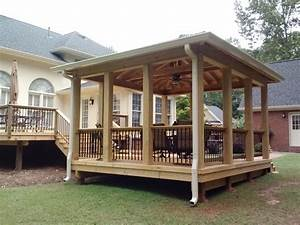 Which is better – an attached open porch or free standing