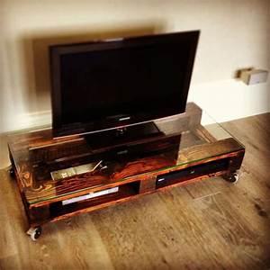 Meuble Tv Petit : petit meuble roulettes top le lgumier fruitier vertical est un meuble garde manger en bois de ~ Teatrodelosmanantiales.com Idées de Décoration