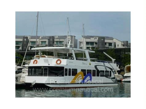 Houseboats For Sale Singapore by Lita Catamaran Houseboat In Singapore Power Boats