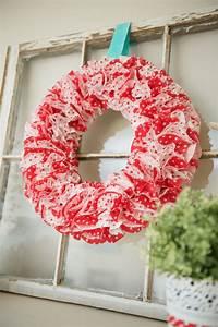 Fun Valentine Cupcake Liner DIY Wreath