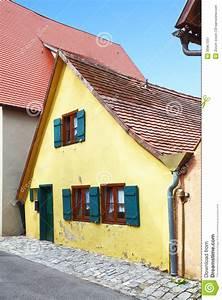 Tiny House Germany : tiny little house royalty free stock photography image 30967597 ~ Watch28wear.com Haus und Dekorationen