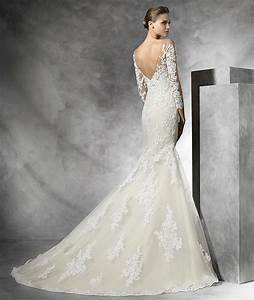 Tibet wedding dress 2016 pronovias available at lulu for Wedding dress boutiques dallas