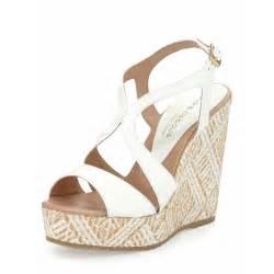 andre assous women s johannah1 patent wedge sandal white