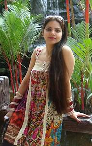 Indian Hot Newly Married Girls On Honeymoon Trip Pictures ...  Indian