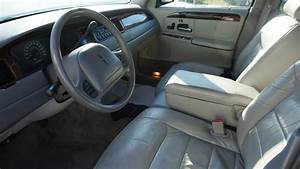 2000 Lincoln Town Car - Pictures