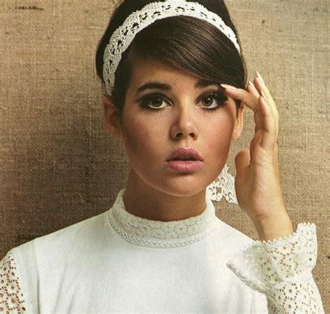 60s Headband Hairstyles by 60 S Headband 60 S Fashion Colleen Corby 1960s