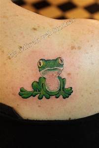 Flying Wings Designs 54 Best Frog Tattoos Design And Ideas