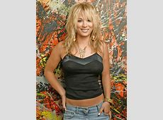 KALEY CUOCO SIGNED AUTHENTIC 8 x 10 PICTURE AUTOGRAPH