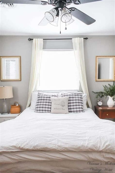 50 ideas for placing a bed in front of a window remodel