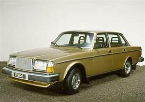 4 4 Volvo : volvo 264 specs photos 1980 1981 1982 autoevolution ~ Medecine-chirurgie-esthetiques.com Avis de Voitures