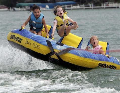 Banana Boat Girl classic pics banana boat girls threadbombing